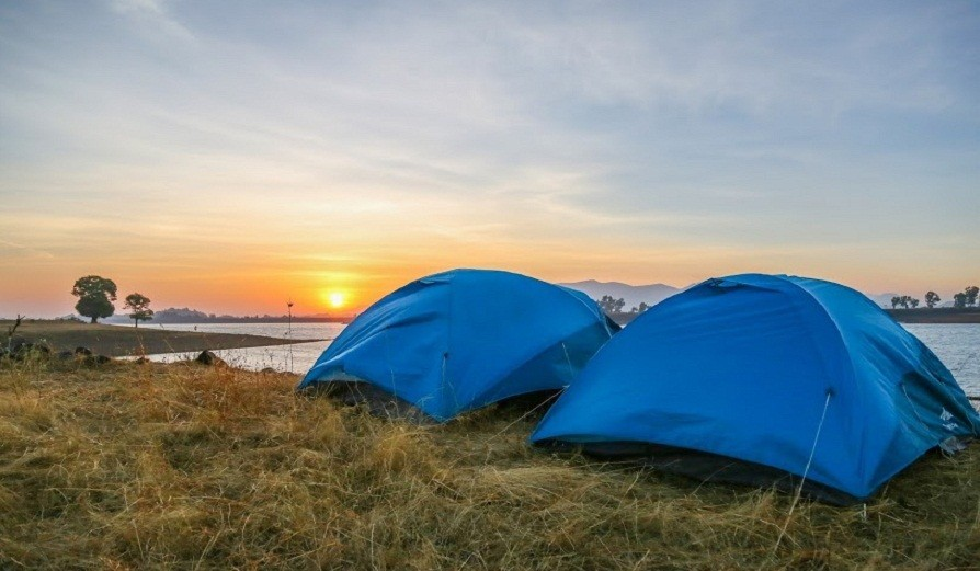Stargazing And Riverside Camping At Vaitarna